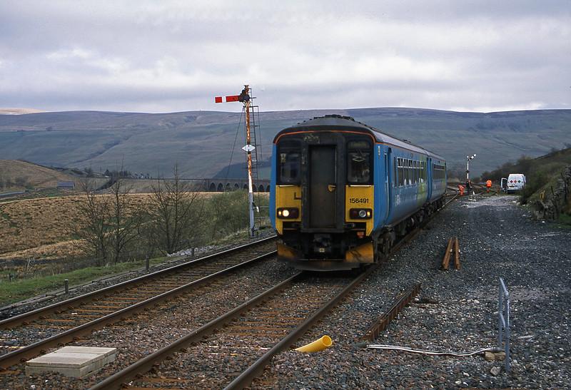 156491, Carlisle-Leeds, Garsdale, 24-4-02.