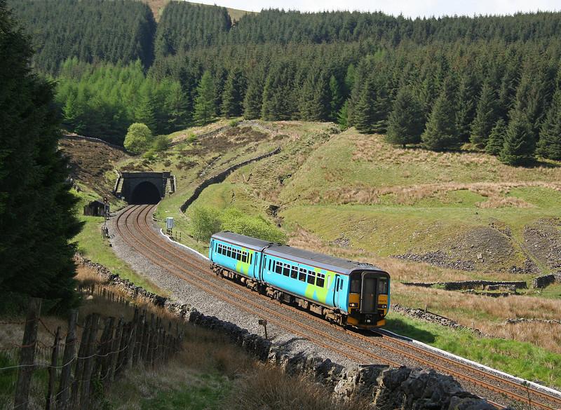 156475, 09.47 Leeds-Carlisle, Blea Moor Tunnel, 23-5-06.