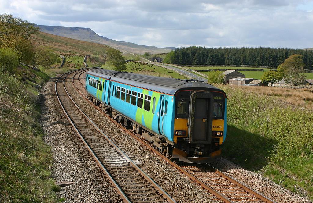 156483, Carlisle-Leeds, Grisedale Crossing, near Garsdale, 17-5-05.