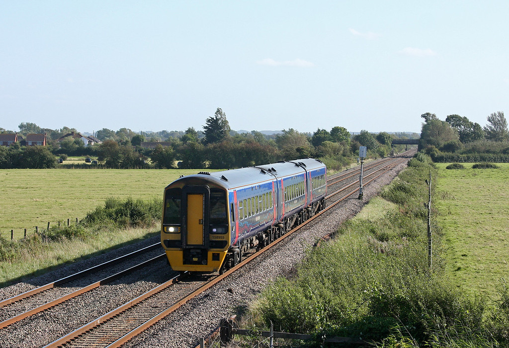 158955, northbound, Middle Street, near Brent Knoll, 13-9-12.