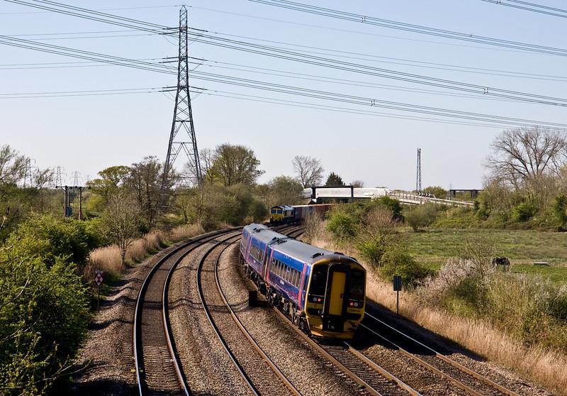 158956, 08.40 Weston-super-Mare-Cardiff Central, 66537, 09.58 Cardiff Wentloog-Southampton MCT, Duffryn, Newport, 22-4-15.