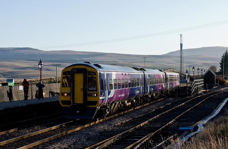 158797/153352, 08.49 Leeds-Carlisle, Ribblehead, 20-11-13.