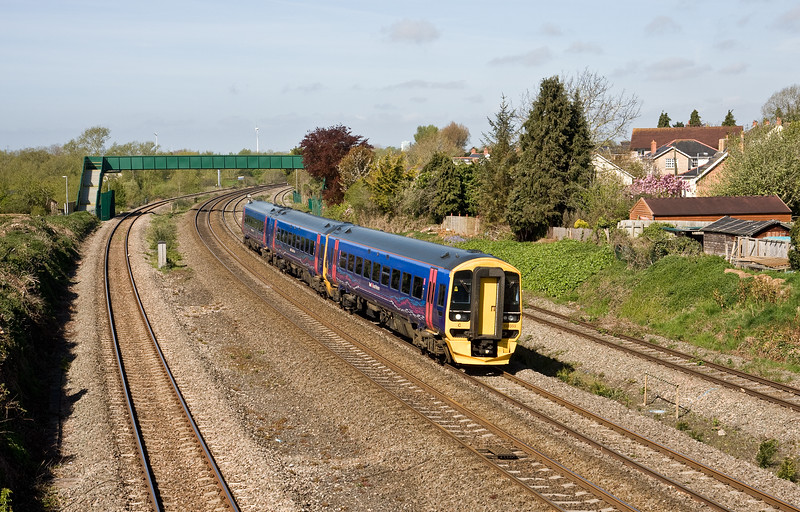 158959, 09.30 Cardiff Central-Portsmouth Harbour, Undy, near Severn Tunnel Junction, 4-5-16.