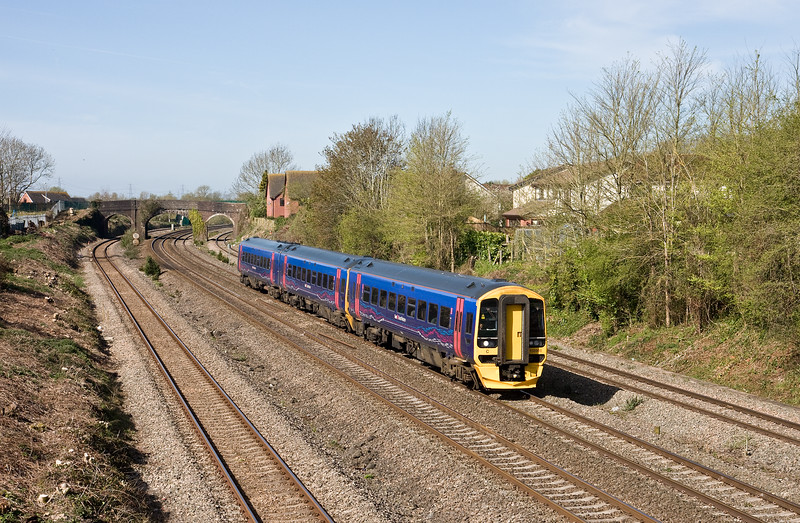 158959, 09.30 Cardiff Central-Portsmouth Harbour, Undy, near Severn Tunnel Junction, 20-4-16.