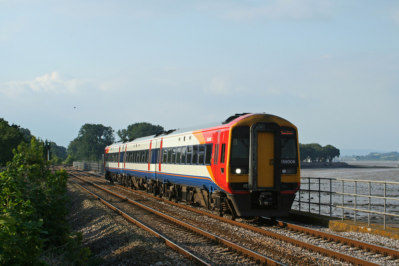 159006, 17.35 Exeter Central-Paignton, Powderham, near Starcross, 21-8-07.