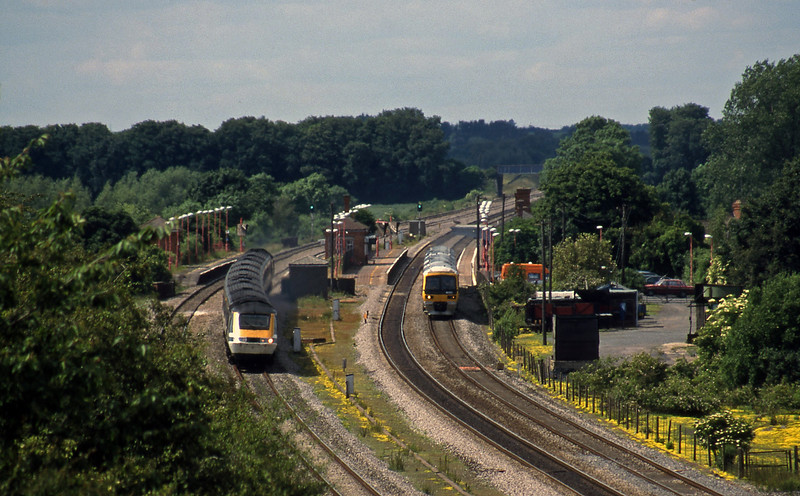 43019/43129, up, 165102/165134, up, Cholsey, 12-6-98.