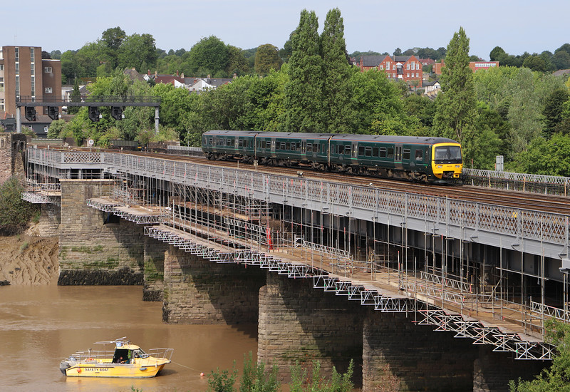 166206, 10.00 Cardiff Central-Taunton, Usk Bridge, Newport, 26-7-18.