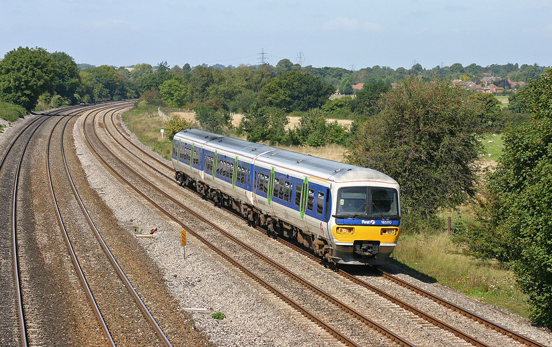 165110, eastbound, Lower Basildon, near Pangbourne, 4-9-04.