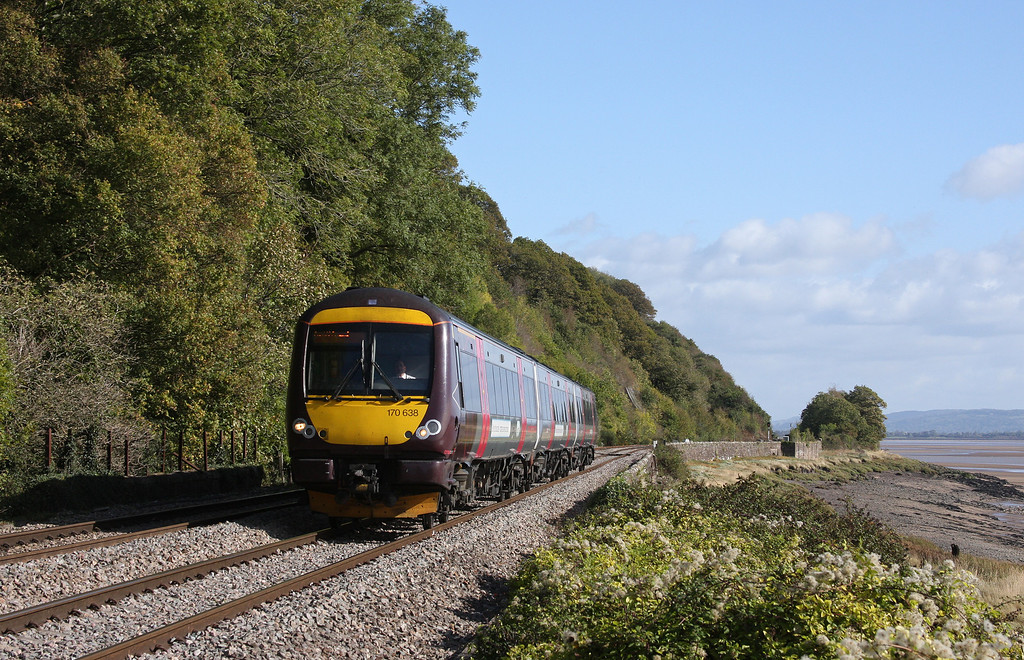 170638, 09.11 Nottingham-Cardiff Central, Gatcombe, near Lydney, 6-10-11.