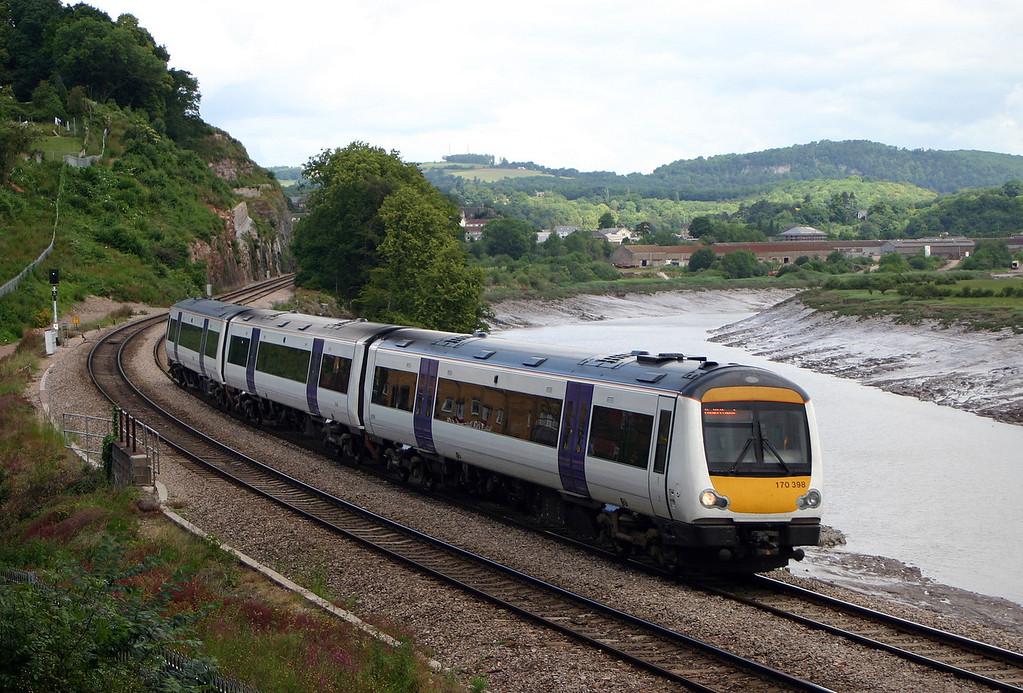 170398, Nottingham-Cardiff Central, Bulwark, Chepstow, 12-6-04.