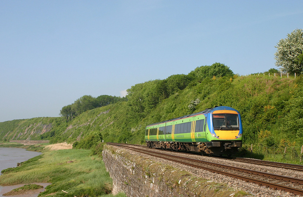 170501, 08.45 Cardiff Central-Nottingham, Gatcombe, near Lydney, 18-5-04.