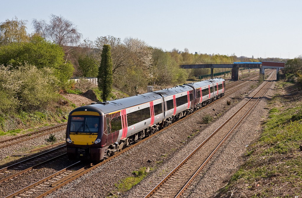 170115/170519, 07.04 Nottingham-Cardiff Central, Undy, near Severn Tunnel Junction, 20-4-16.