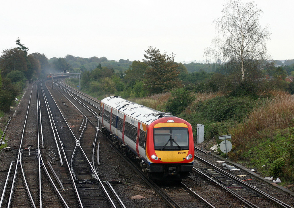 170301, southbound, Worting Junction, near Basingstoke, 29-9-04.
