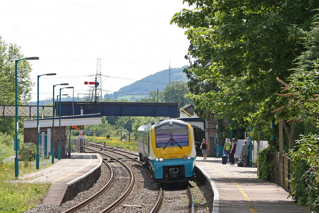 175115, 11.03 Carmarthen-Manchester Piccadilly, terminated at Wilmslow, signal failure,  Abergavenny, 21-5-14.