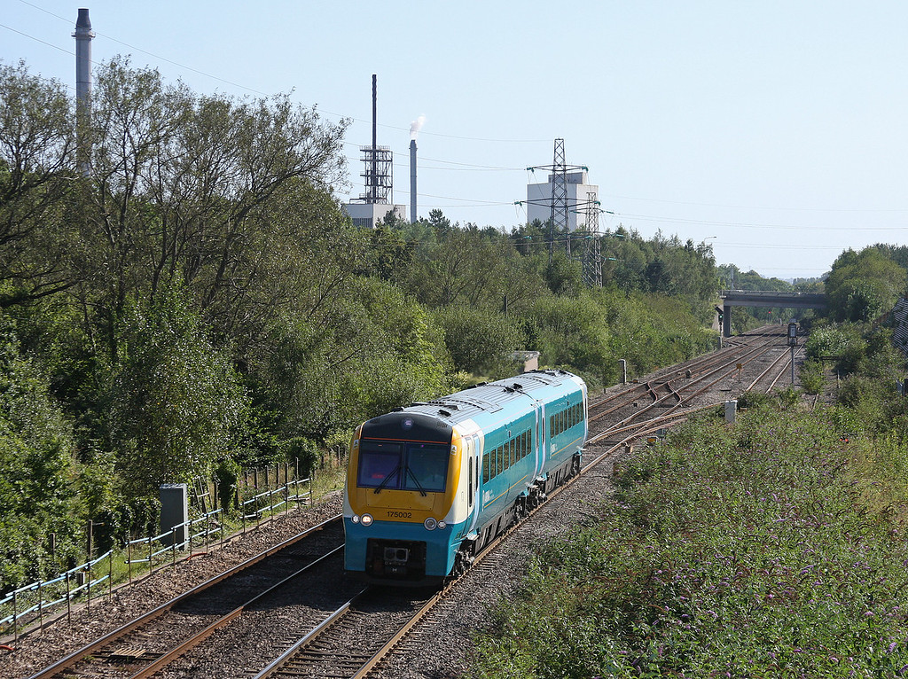 175002, northbound, Panteg, near Cwmbran, 5-9-12.