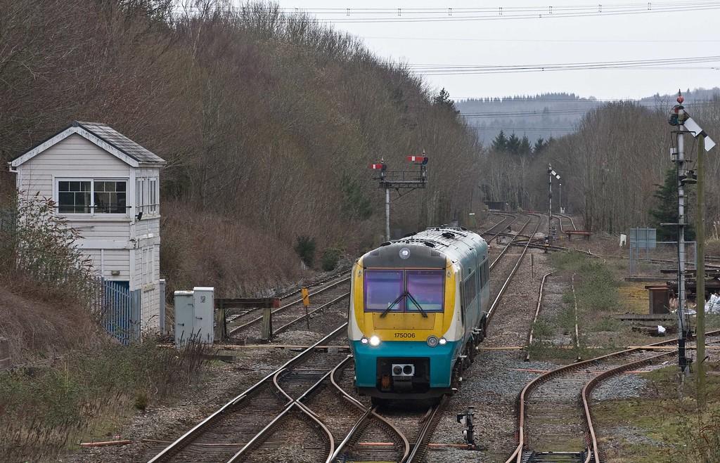 175006, 11.10 Milford Haven-Manchester Piccadilly, Abergav enn y, 23-3-18.