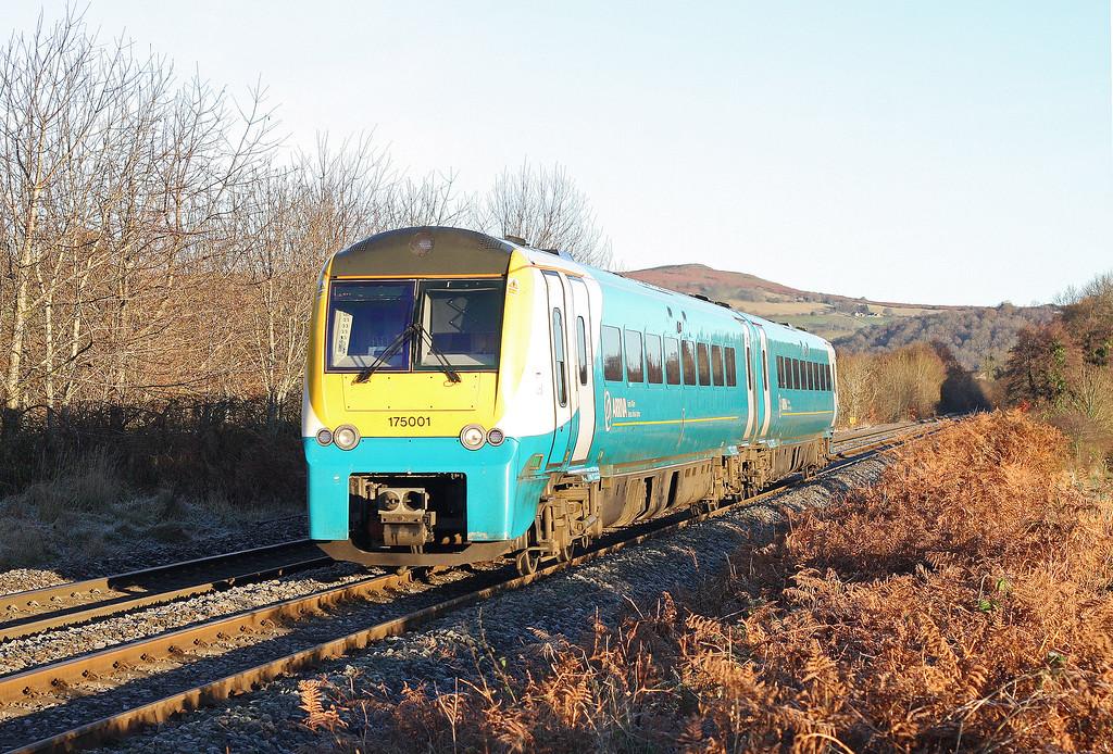 175001, southbound, near Llanvihangel Crucorney, 29-11-12.