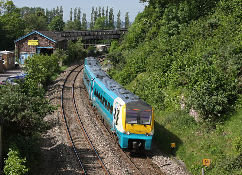 175104, 07.05 Milford Haven-Manchester Piccadilly, Caerleon, near Newport, 29-5-12.