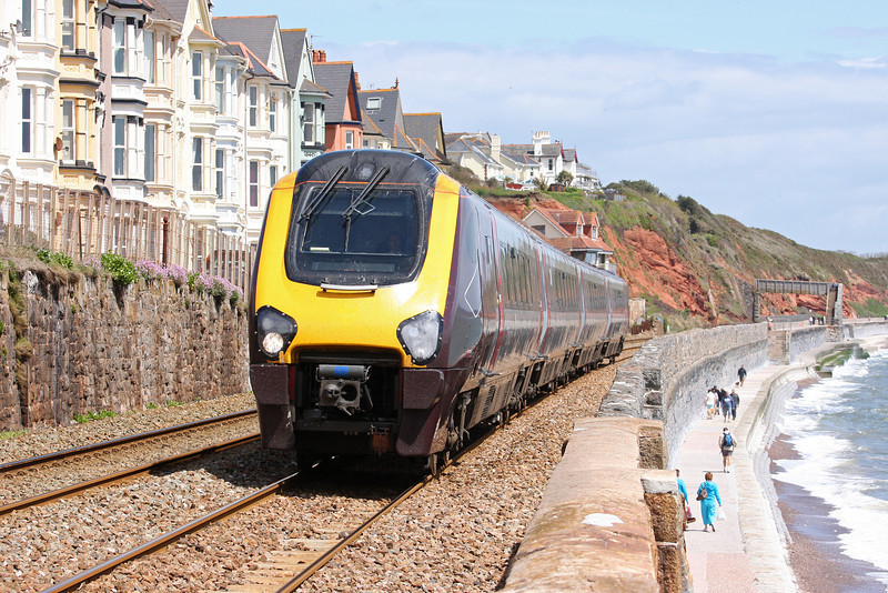 220, 08.07 Manchester Piccadilly-Paignton, Dawlish, 16-5-12.