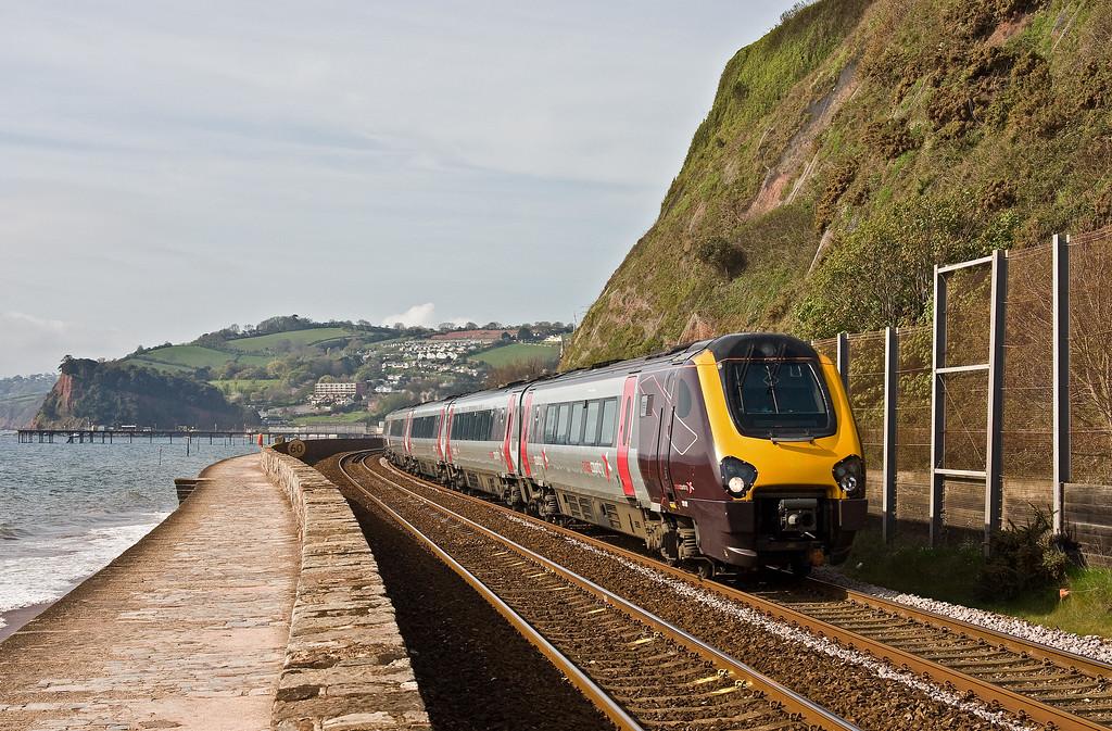 221122, 09.25 Plymouth-Aberdeen, Teignmouth, 19-4-17.