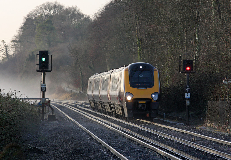 220, 08.45 Bournemouth-Manchester Piccadilly, Shawford, near Winchester, 17-12-12.