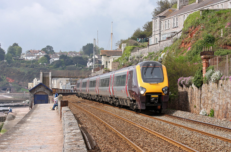221135, 10.07 Paignton-Manchester Piccadilly, Dawlish, 19-5-12.