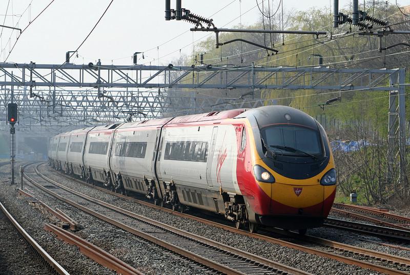 390007, London-bound, Tamworth Low Level, 27-3-07.