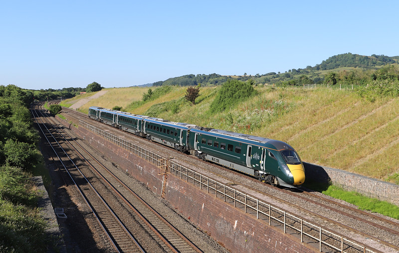 800028, 15.26 Swansea-London Paddington, Standish Junction, near Stonehouse, 27-6-18. 20min late.