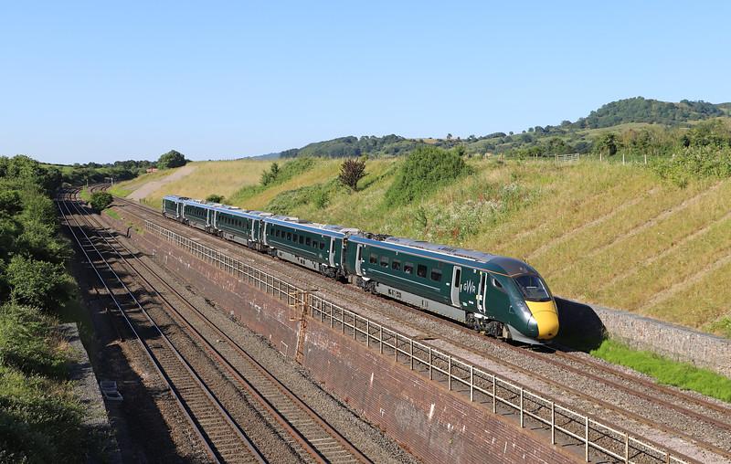 800028, 15.26 Swansea-London Paddington, Standish Junction, near Stonehouse, 2 7-6-18. 20min late.