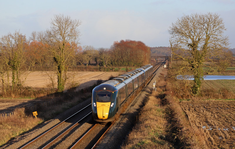 802015/802014, 14.04 London Paddington-Penzance, Edington, near Westbury, 15-1-20. Losing time behind late-running 7C77.