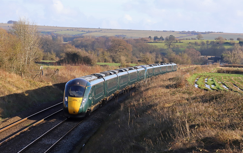 802011/802004, 12.04 London Paddington-Penzance, Witchcombe, Great Cheverell, Wiltshire. 15-1-20.