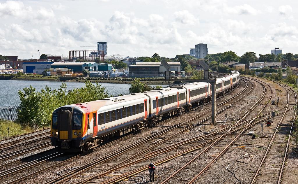 444039/444, 14.03 Weymouth-London Waterloo, St Denys, Southampton, 1-8-17.