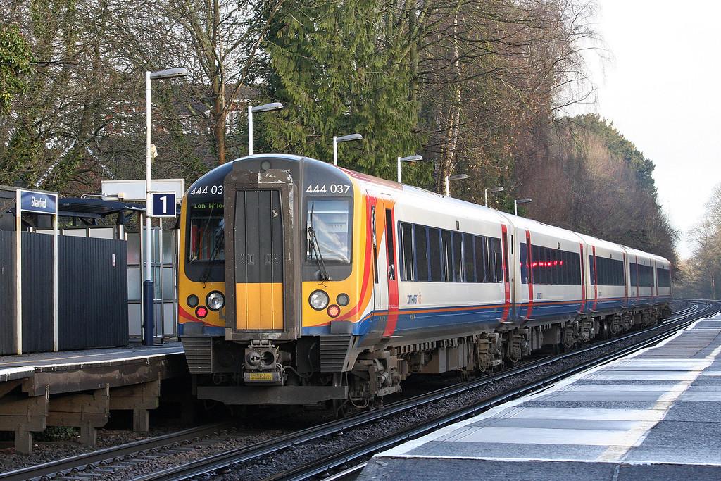 444037, 08.23 Southampton Central-London Waterloo, Shawford, near Winchester, 17-12-12.