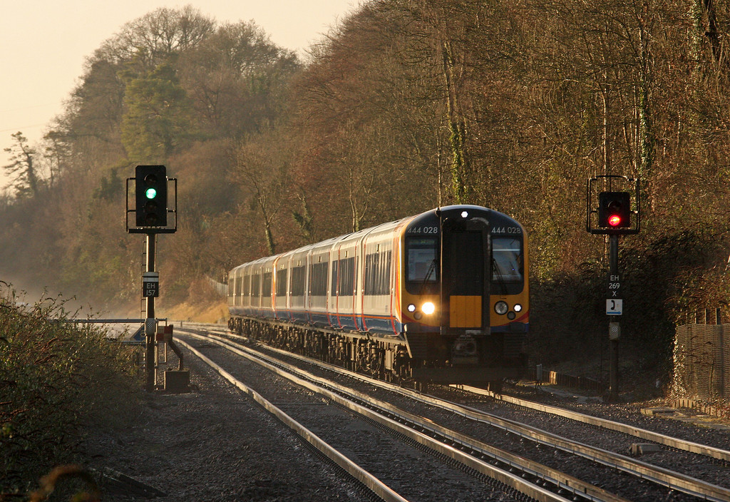 08.53 Totton-London Waterloo, Shawford, near Winchester, 17-12-12.