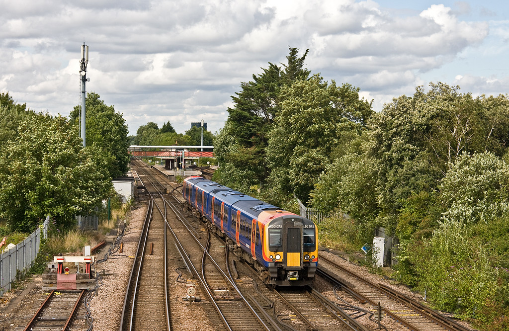 450075, 14.39 London Waterloo-Brockenhurst, St Denys, Southampton, 1-8-17.