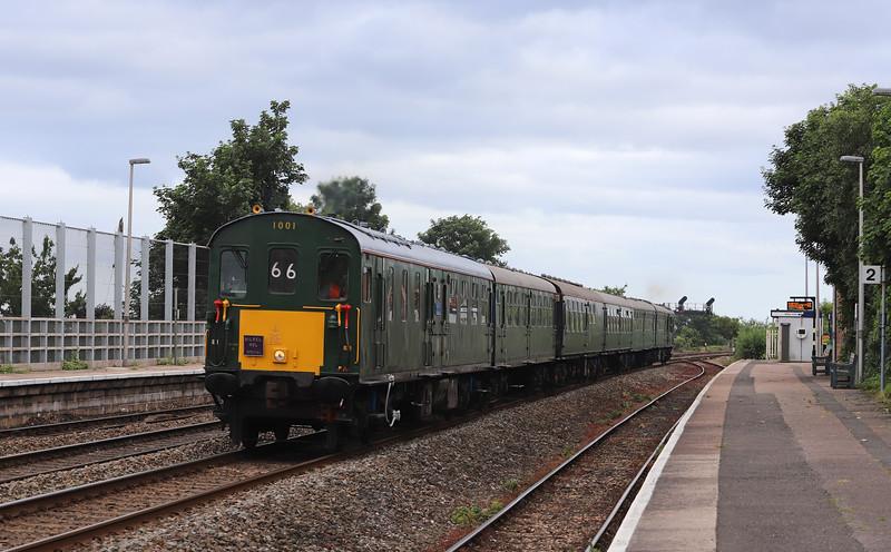 1001, 17.21 Paignton-Hastings, The South Devon Coaster, Dawlish Warren 16-6-18.