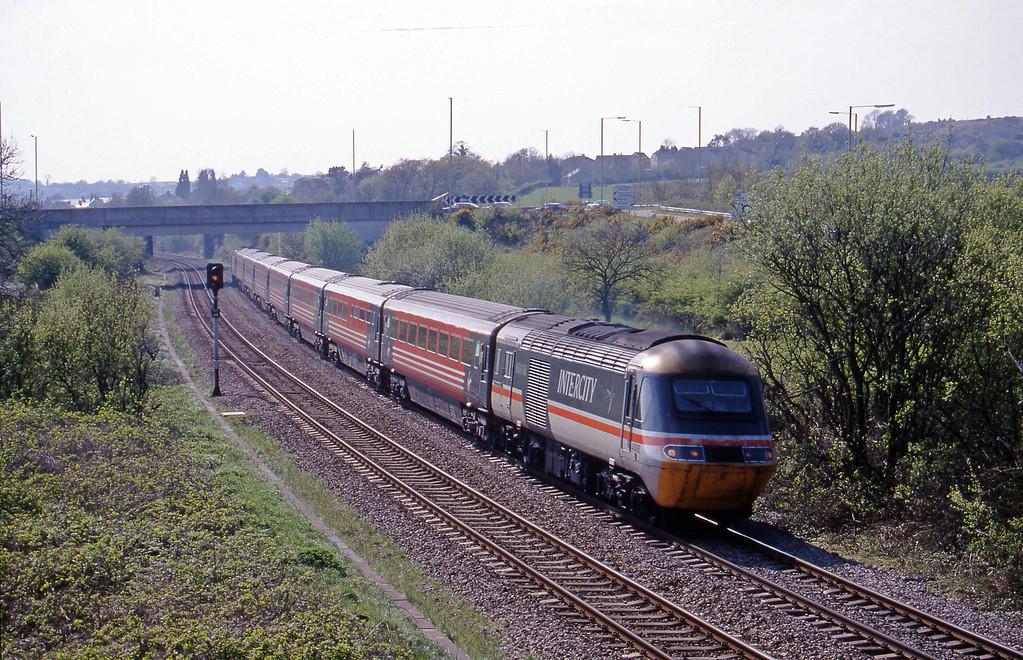 43088/43089, 15.27 Swansea-Newcastle, Brynna, near Bridgend, 27-4-99.