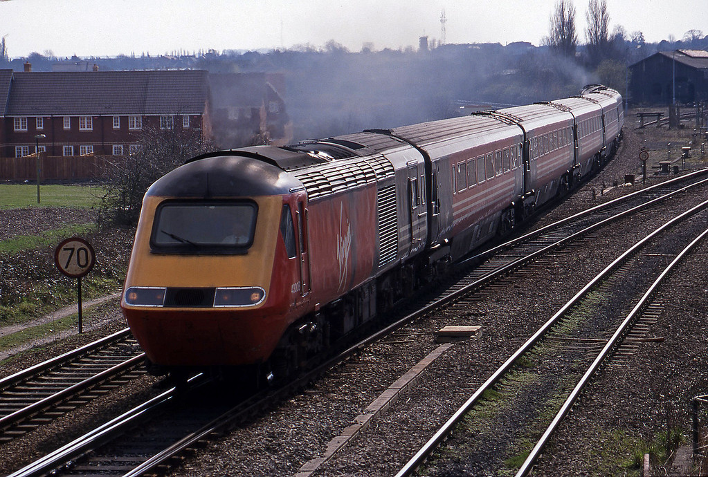 43008/43, 11.00 Bournemouth-Edinburgh, Didcot North Junction, 16-3-99.