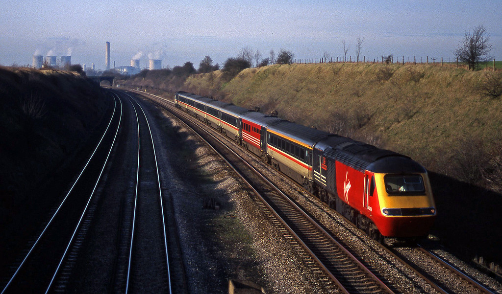 43008/43156, up, South Moreton, near Didcot, 2-2-99.