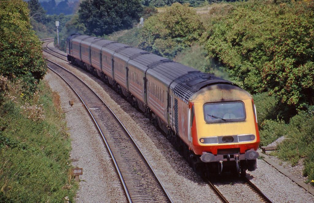 43068/43166, up passenger, Culham, near Didcot, 18-8-98.