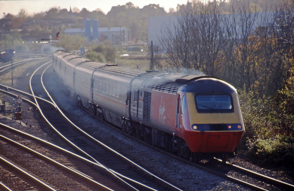 43155/43160, down passenger, Didcot North Junction, 10-11-98.