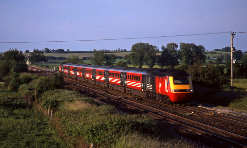 43102/43069, 13.43 Newcastle-Exeter St David's, Cogload, 9-6-99.