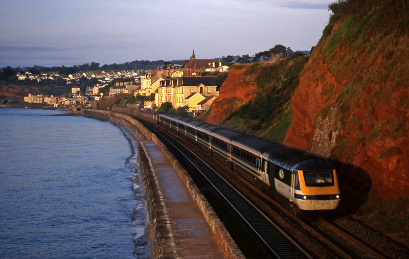 43035/43033, 05.55 Penzance-London Paddington, Dawlish, 11-8-99.