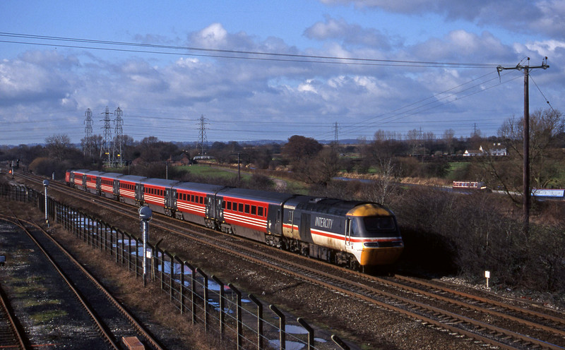 43101/43063, northbound, Stenson Junction, near Derby, 4-3-98.