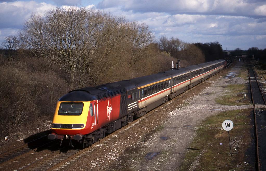 43084/43092, southbound, Stenson Junction, near Derby, 4-3-98.