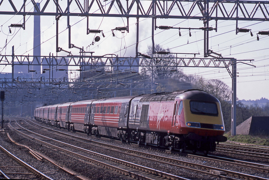 43084/43101, London Euston-Blackpool, Rugeley Trent Valley, 8-4-03.