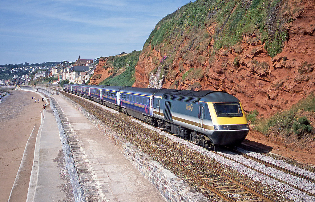 43143/43139, 07.35 Penzance-London Paddington, Dawlish, 12-7-03.