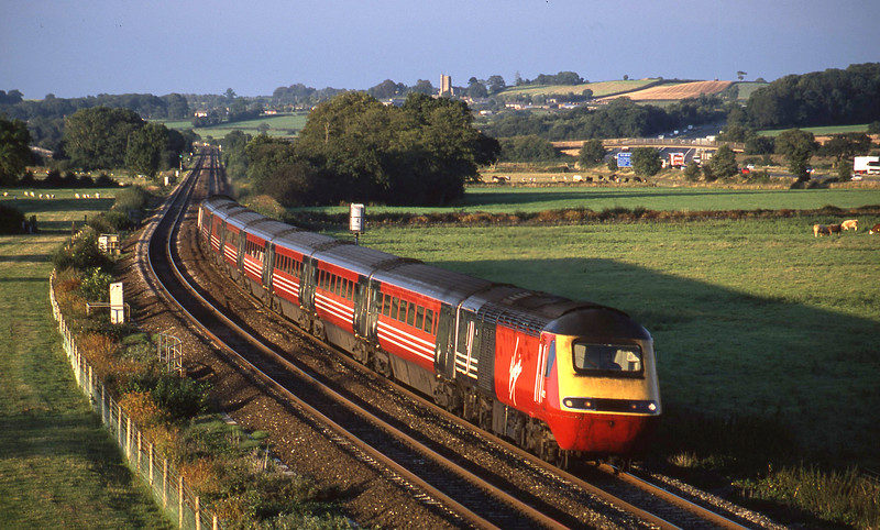 43122/43088, 09.15 Aberdeen-Plymouth, Tiverton Parkway, 20-8-02.