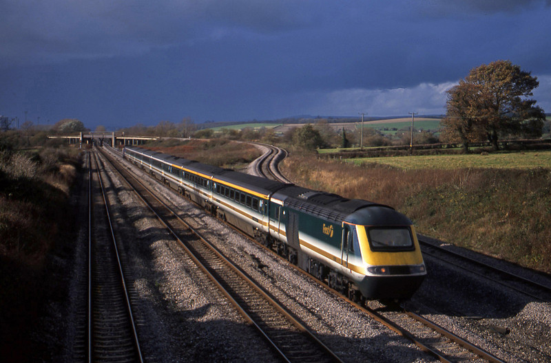 43185/43192, Swansea-London Paddington, Llandevenny, near Llanwern, 12-11-02.