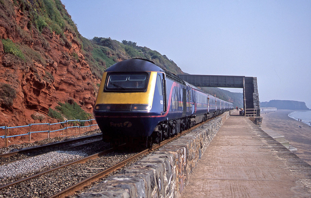 43026/43125, 09.00 Bristol Temple Meads-Paignton, Dawlish, 9-8-03.